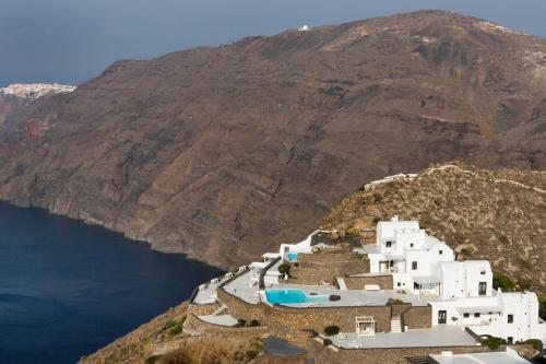 Aenaon Villas during the winter