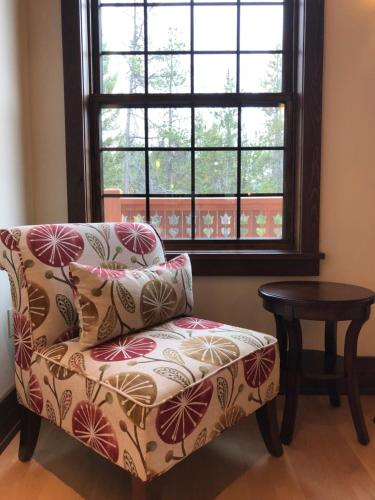 A seating area at Great Northern Resort (Lodge)