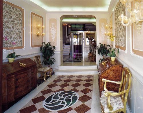 The lobby or reception area at Locanda Vivaldi
