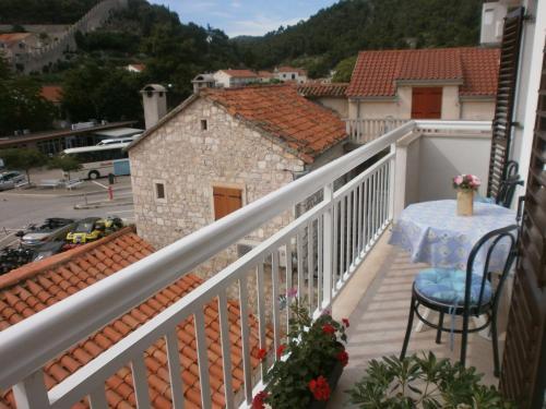 Balcon ou terrasse dans l'établissement Guest House Zaninović