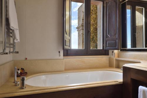 A bathroom at Monastero Santa Rosa Hotel & Spa