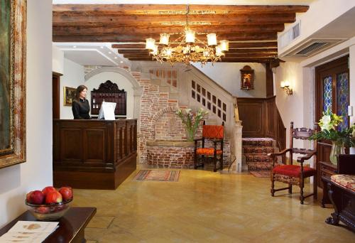 The lobby or reception area at Hotel Palazzo Priuli