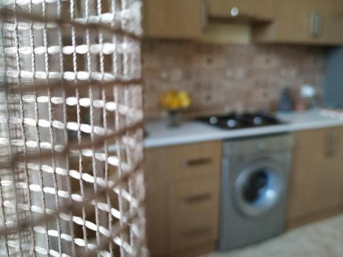 A cozinha ou cozinha compacta de CASPIAN VILLA NEAR BEACH