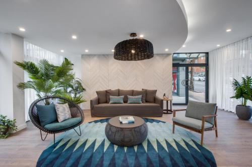 The lobby or reception area at Adina Apartment Hotel Coogee Sydney