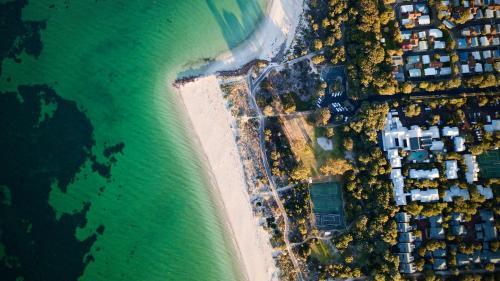 A bird's-eye view of Broadwater Resort
