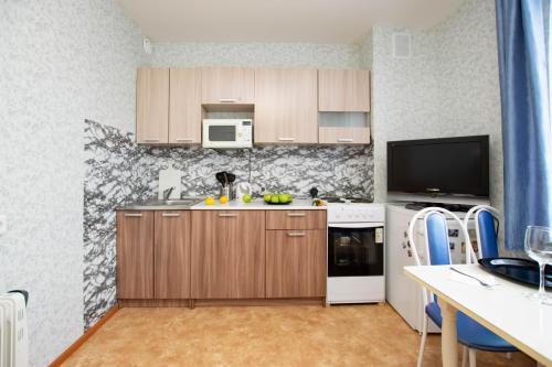 Кухня или мини-кухня в Данилиха Студия