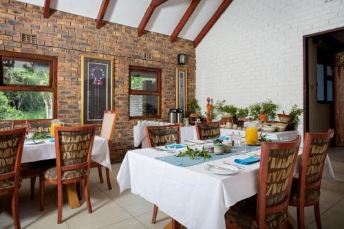 Un restaurant u otro lugar para comer en Idube Game Reserve