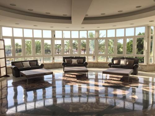 The lobby or reception area at Ohtels Gran Hotel Almeria