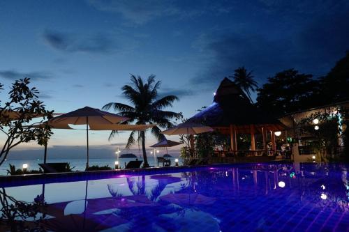 Het zwembad bij of vlak bij Nature Beach Resort