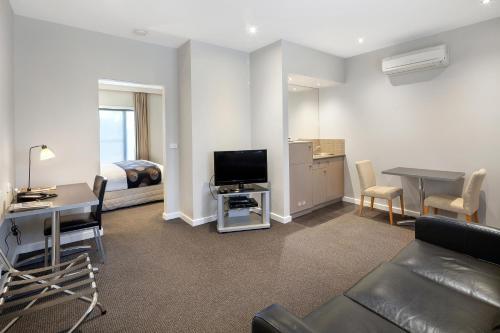 A seating area at Best Western Plus Ballarat Suites