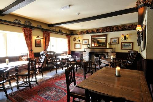A restaurant or other place to eat at The Colesbourne Inn