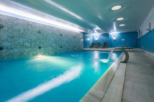 The swimming pool at or near Hotel de Guimaraes