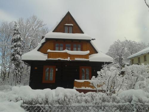 Obiekt Willa Dewajtis zimą