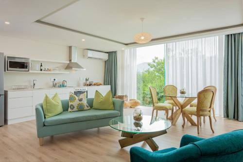A seating area at Views Boutique Hotel & Spa