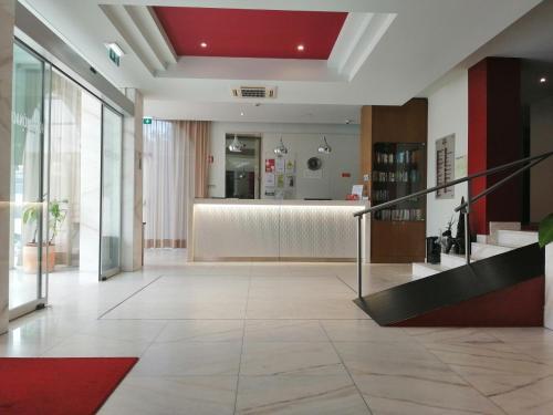 A área de receção ou átrio de Hotel Monaco