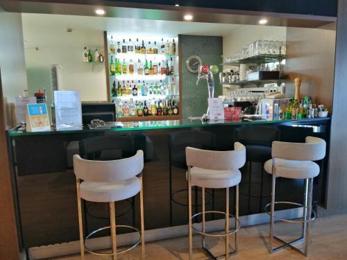 A área de bar ou lounge em Hotel Monaco