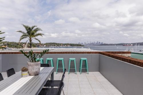 Watsons Bay Boutique Hotel tesisinde bir balkon veya teras