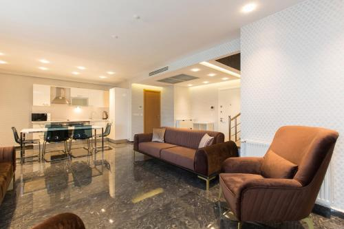 A seating area at Glory Residence Taksim