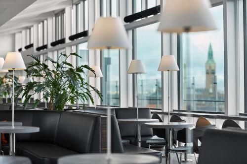 The lounge or bar area at Wakeup Copenhagen - Bernstorffsgade