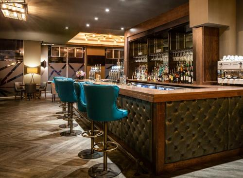 The lounge or bar area at Mercure Bridgwater