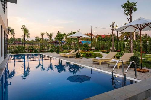 The swimming pool at or close to King Villa 1955   Luxury Holiday Villa in Siem Reap
