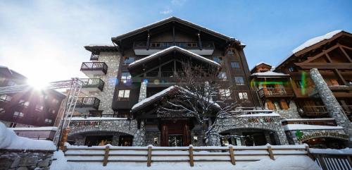 Hotel Avenue Lodge im Winter