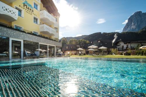 The swimming pool at or near Alpenhotel Plaza