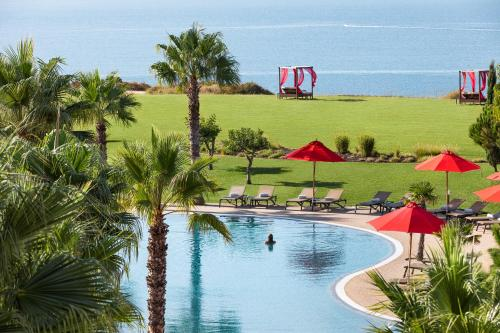 A view of the pool at Cascade Wellness Resort or nearby