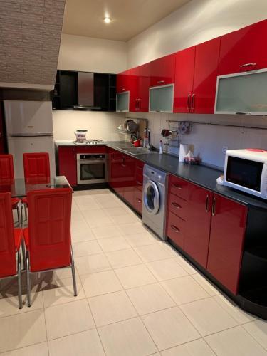 A cozinha ou cozinha compacta de Дом