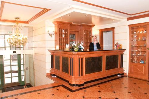 Lobby/Rezeption in der Unterkunft Hotel Weißes Roß