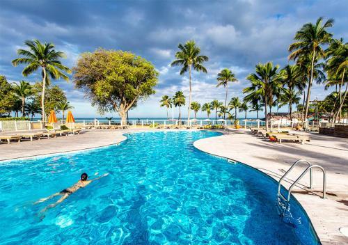 Swimmingpoolen hos eller tæt på Langley Resort Fort Royal