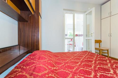 A bed or beds in a room at Villa Scala 1 - Mlini