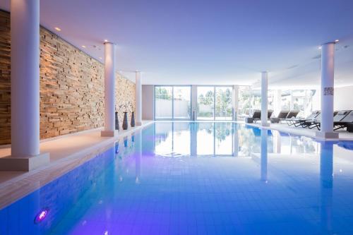 Der Swimmingpool an oder in der Nähe von Hotel Exquisit