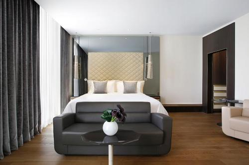 A bed or beds in a room at Excelsior Hotel Gallia, a Luxury Collection Hotel, Milan