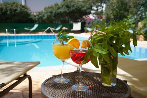 The swimming pool at or near Hotel La Playa
