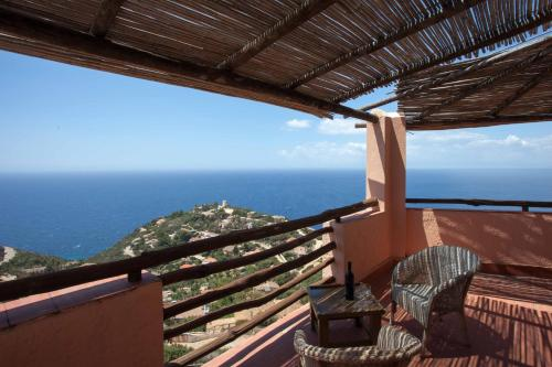 A balcony or terrace at Club Esse Residence Torre delle Stelle