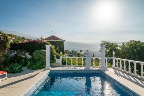 The swimming pool at or near Villa Paraiso
