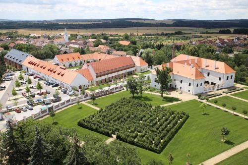 Hotel Zámek Valeč с высоты птичьего полета