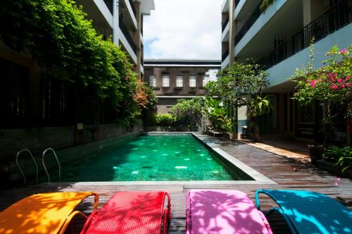 The swimming pool at or close to 100 Sunset Kuta Hotel & Ballroom