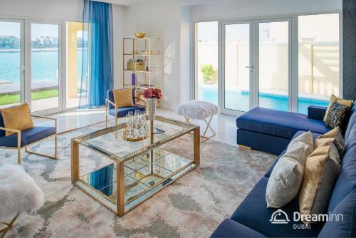 منطقة جلوس في Dream Inn - Executive Palm Beach Villa