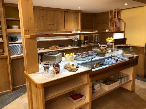 A kitchen or kitchenette at Le Relais Nordique