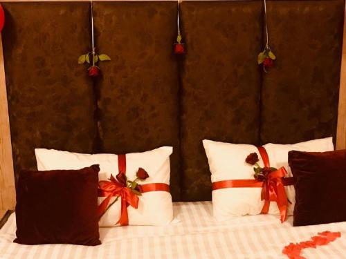 Cama ou camas em um quarto em Layali Alandlous Furnished Units