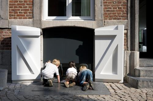 A family staying at Zenden Hotel Maastricht