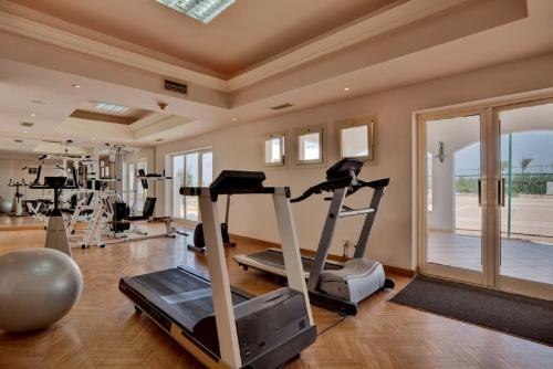 Het fitnesscentrum en/of fitnessfaciliteiten van Coral Beach Resort Montazah (Ex. Rotana)