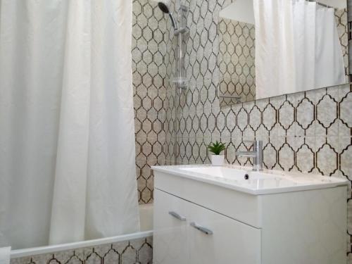 A bathroom at TORRE 14 Vista Magnifica