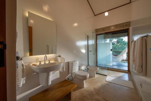 Um banheiro em Fazenda Capoava