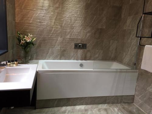 A bathroom at Charter House