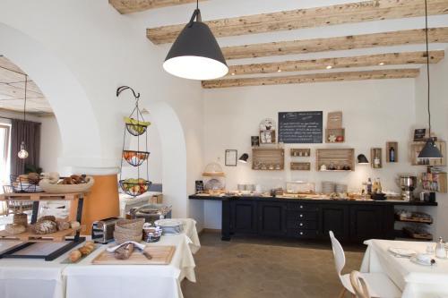 Ein Restaurant oder anderes Speiselokal in der Unterkunft Bavaria Biohotel