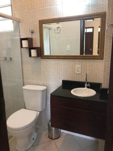 Um banheiro em Amazônia ParkSuítes