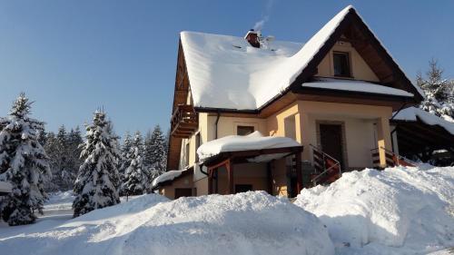Obiekt Miodowy Zakątek zimą